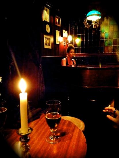 Sarah Nilsson på Café Intime